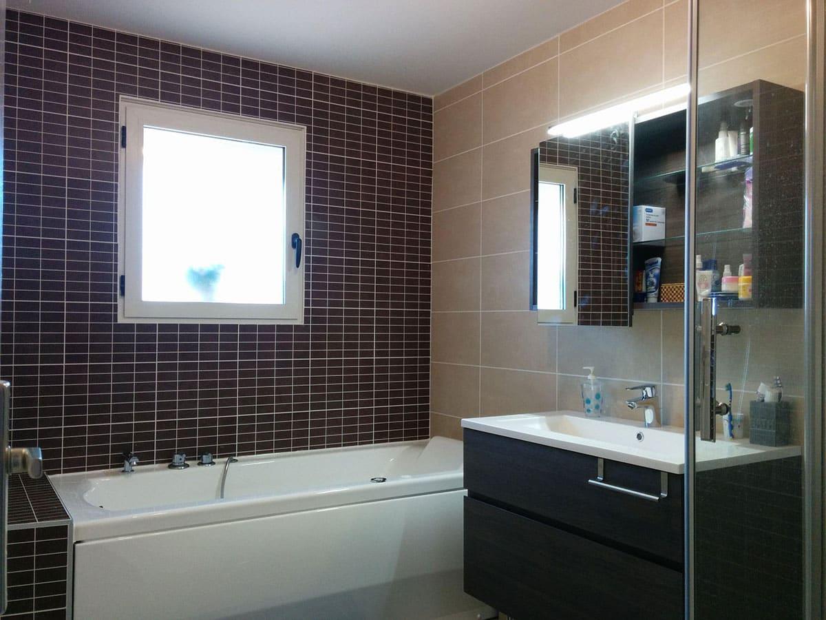 G 9 Rénovation d'une salle de bain avec douche italienne à Meyzieu